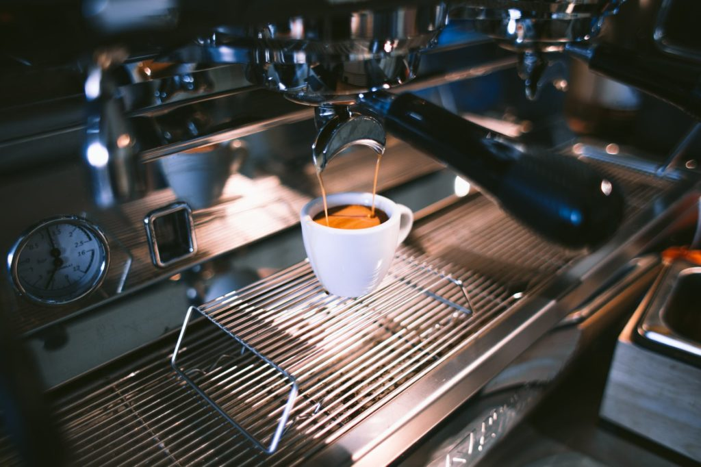 Espresso kočičí kavárna